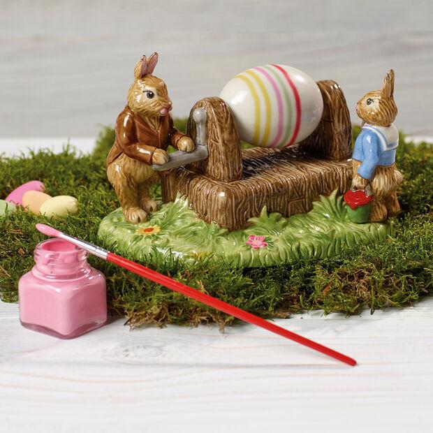 Bunny Tales figura con motivo de máquina de pintar huevos, , large